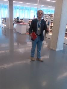 En la biblioteca de Göteborg a las 15 horas del día 18 de mayo de 014