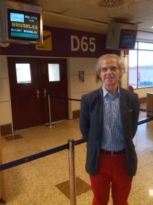 En el aeropuerto de Madrid, a la espera del avión Bruselas-Göteborg