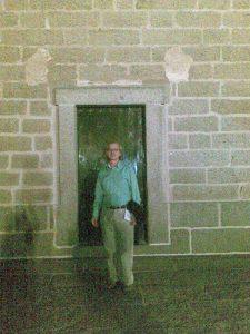 La puerta por donde entraba Felipe II en San Lorenzo de El Escorial, verano, 2010