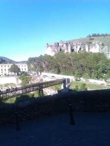 Panorámica del puente san Pablo, parador(antiguo semillero de los PP.Paúles) y las famosas rocas