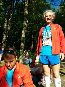 Descansando en el bosque, terminada la carrera